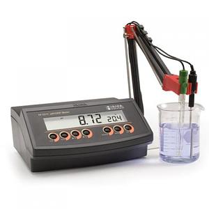 Medidor de pH y temperatura de mesada HI2211-02 Hanna Instruments